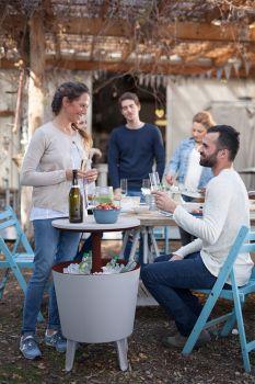 COOL BAR Keter - vše pro venkovní posezení na zahradě a na terase