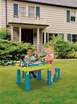 CREATIVE PLAY TABLE + stoličky Keter - vše pro venkovní posezení na zahradě a na terase