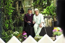 lavice PATIO - hnědá Keter - vše pro venkovní posezení na zahradě a na terase